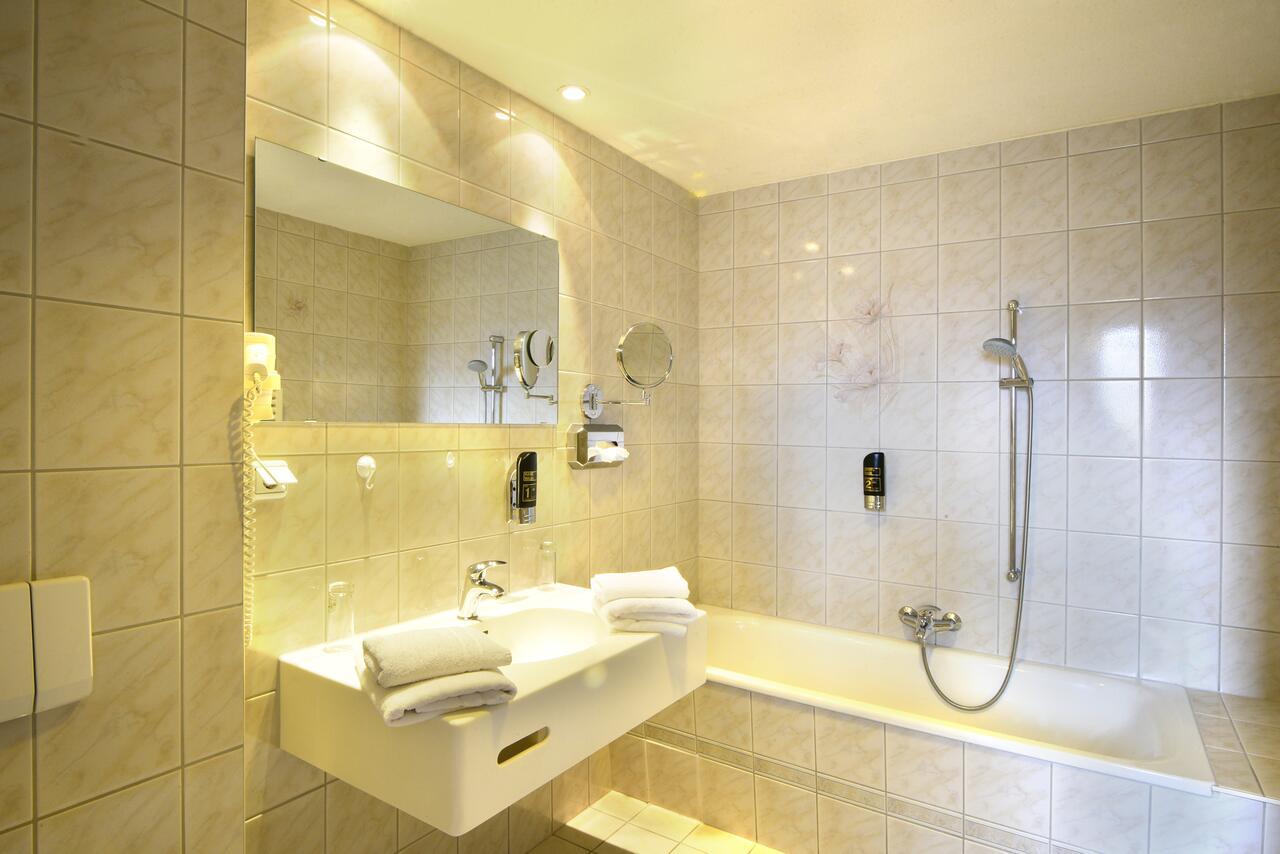 hotel-alexandra thumbnail