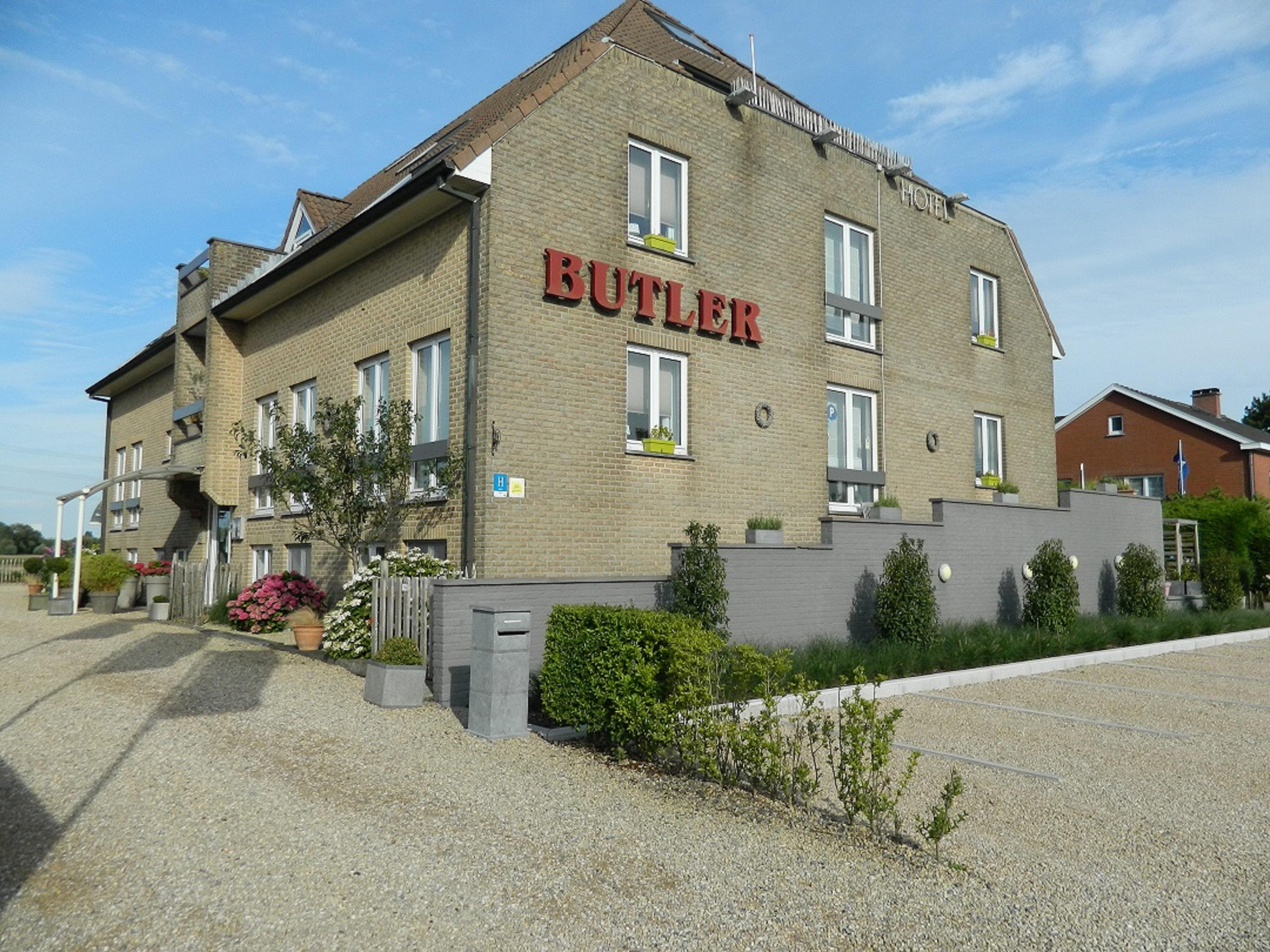 hotel-butler thumbnail
