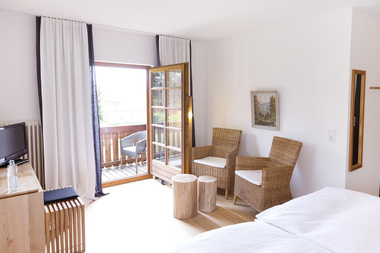 hotel-der-hirschen thumbnail