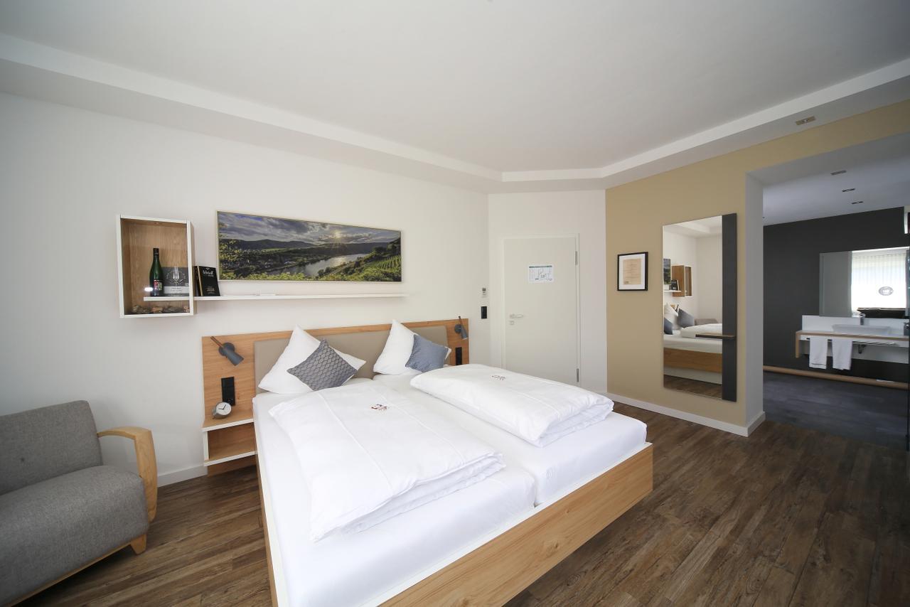 hotel-weinhaus-halfenstube thumbnail