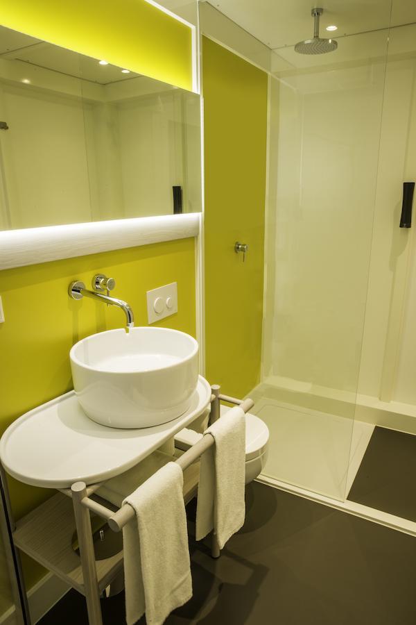 qbic-hotel-amsterdam-wtc thumbnail
